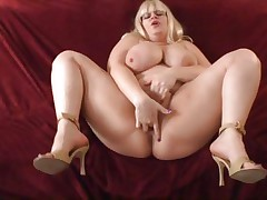 Bulky chick Tiffany Blake acquires hammered